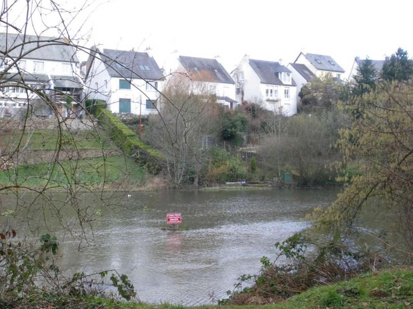 Du boulevard Carnot à l'étang de Robien. (Les cabots de Robien 2) 0