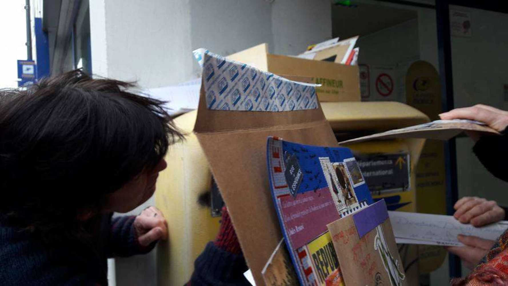 L''art postal pour défendre la poste 2765546221216844978496561775080262850315214n