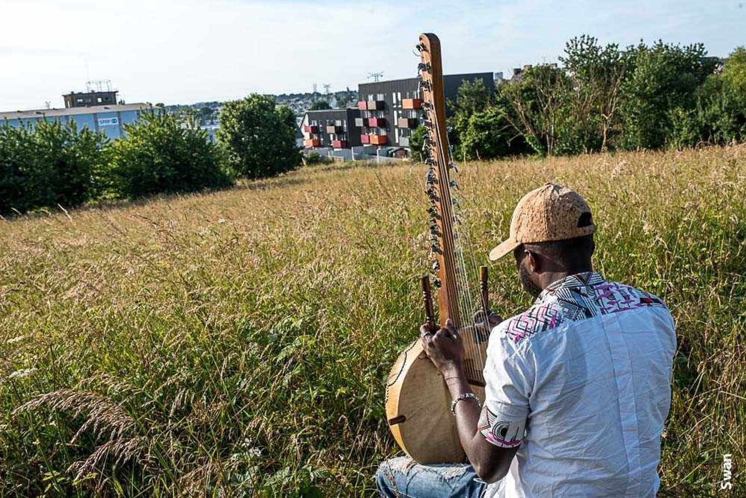 Apéro musical à Marie-Dondaine le 7 juillet swanidrissatertre-2