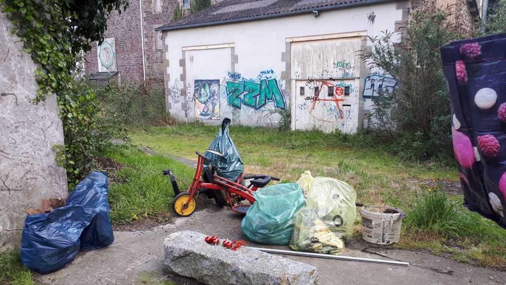 Collecte de déchets dans le quartier 20190410190335copie